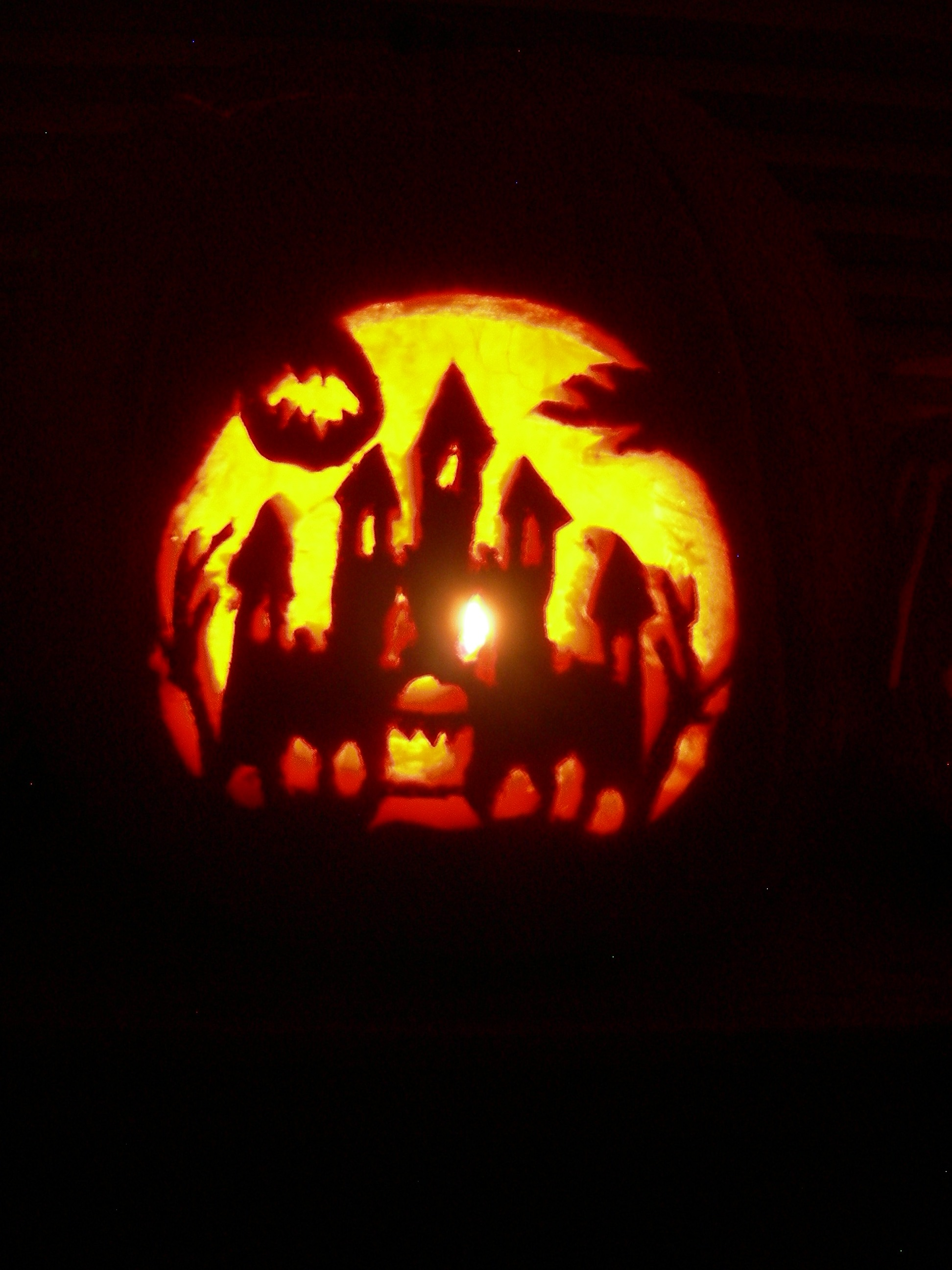 Pictures From The Pumpkin Carving Party 2006