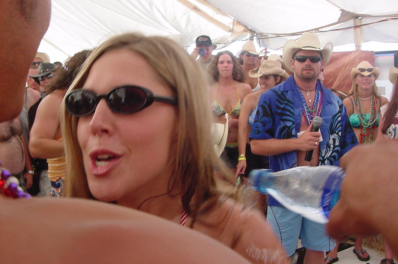 sexy bikini contest videos